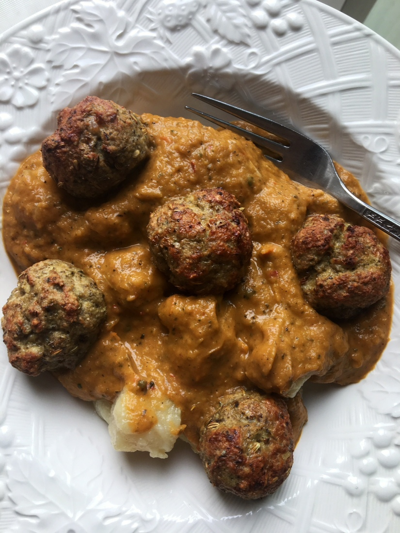Cauliflower Gnocchi with Creamy Roasted Vegetable Sauce and Italian Turkey Meatballs (Gluten-free, Low-Carb, Dairy-Free,Paleo-Friendly)