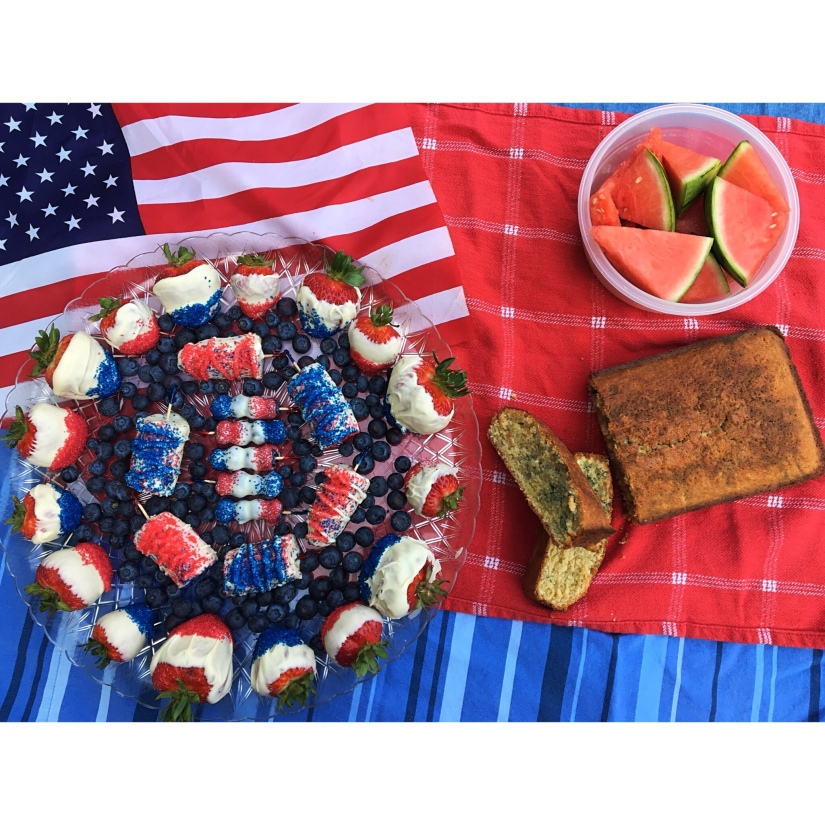 Red, White, and Blue Low-Sugar Desserts That Won't Destroy YourDiet!